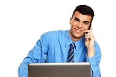 Молодой бизнесмен colling Стоковая Фотография RF