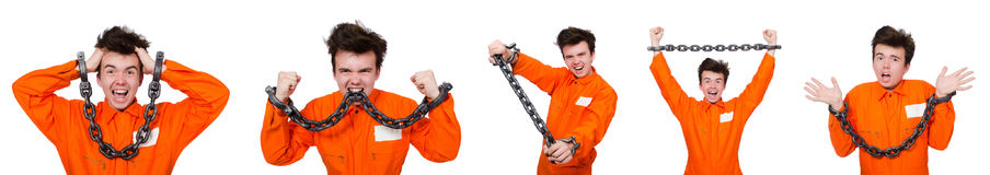 Молодой воспитанник при цепи изолированные на белизне Стоковое Изображение