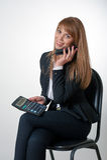 Молодой женский говорить телефоном Стоковое Изображение RF