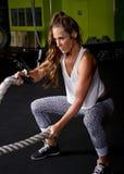 Молодой женский тренер инструктора фитнеса Стоковые Изображения RF
