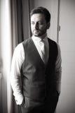 Молодой итальянский groom перед замужеством стоковая фотография