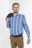 Молодой красивый человек с бородой и sca стоковые изображения