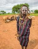 Молодой мальчик от африканского племени Mursi, Эфиопии стоковые фотографии rf