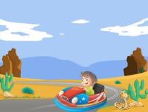 Молодой мальчик путешествуя на пустыне Стоковые Фото