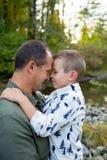 Молодой мальчик с отцом Стоковое фото RF