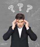 Молодой метод мозгового штурма бизнесмена Стоковое Изображение RF