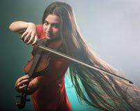 Молодой музыкант стоковая фотография rf