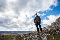Молодой мыжской hiker Стоковые Изображения RF