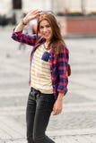 Молодой привлекательный город посещения женщины Стоковое фото RF