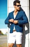 Молодой стильный красивый модельный человек Стоковая Фотография RF
