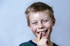 Молодой счастливый мальчик Стоковые Фотографии RF