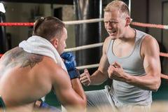 Молодой тренер бокса Стоковые Изображения RF