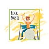 Молодой человек играя комплект барабанчика Барабанщик, музыкант Vector иллюстрация, шаблон плаката, изолированный на белой предпо бесплатная иллюстрация