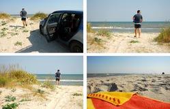 Молодой человек идя к пляжу стоковое изображение rf