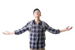 Молодой человек путешественника чувствует свободно стоковые фото