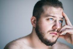 Молодой человек с проблемой Стоковое фото RF