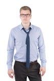 Молодой человек с раскрытым галстуком стоковые фото