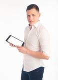 Молодой человек с таблеткой Стоковое Изображение RF