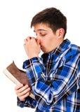 Молодой человек с тапкой Стоковое фото RF