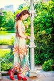 Молодые американские отсытствия вы с белой розой, сиротливой на центральном PA Стоковые Фотографии RF