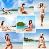 Молодые женщины в купальнике ослабляя на пляже Стоковая Фотография RF