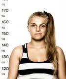 Молодые красивые белокурые фотографии преступника женщины Стоковые Изображения RF