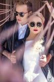Молодые модные пары связанный вектор Валентайн иллюстрации s 2 сердец дня Любовь венчание Стоковые Фото