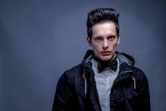 Молодые мужские сильные лицевые характеристики стоковые изображения rf