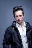 Молодые мужские сильные лицевые характеристики стоковая фотография rf