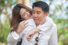 Молодые пары в влюбленности стоковые изображения rf