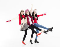 Молодые счастливые девушки имея потеху совместно Стоковая Фотография RF