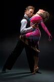 Молодые танцы пар Стоковая Фотография RF