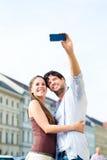 Молодые туристы в Мюнхене городском Стоковая Фотография RF