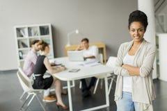 Молодые люди в офисе Стоковое Фото
