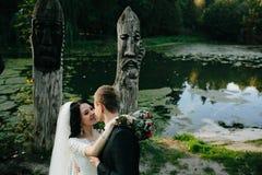 Молодые bridal пары стоковое изображение