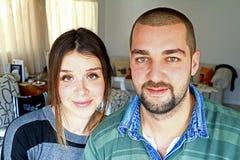 Молодым пары пожененные Turkish дома Стоковое фото RF