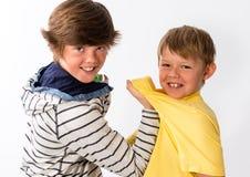2 молодых брать Стоковые Фотографии RF