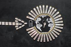 Модули сети SFP интернета как форма земли и стрелки, padlock и ключа Концепция securi интернета Стоковая Фотография RF