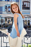 Моды носки стороны младенца маленькой девочки платье малой милой голубое Стоковое фото RF