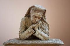 Моля католическая монашка - скульптура бюста в гипсолите, Риме Стоковая Фотография RF
