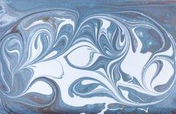 Мраморная абстрактная акриловая предпосылка Текстура художественного произведения природы голубая мраморизуя золото яркия блеска Стоковое Изображение RF