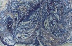 Мраморная абстрактная предпосылка с золотым порошком зеленый цвет выходит текстура картины природы Стоковая Фотография RF