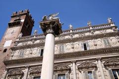 Мраморная колонка с, котор подогнали львом Сан Marco Стоковое Изображение