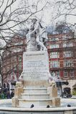 Мраморная статуя Уильям Шекспир на саде квадрата Лестера в Лондоне, Великобритании стоковая фотография