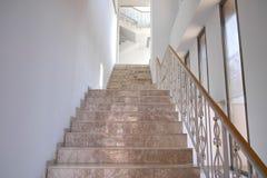 Мраморные лестницы стоковое изображение