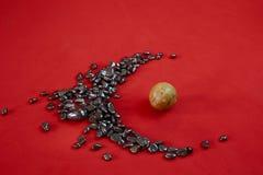 Мраморные камешки и сфера и везение стоковое изображение