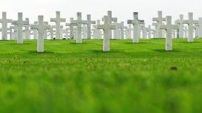 Мраморные кресты на кладбище Стоковое Изображение