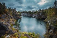 Мраморный карьер в парке горы Ruskeala, Karelia стоковые изображения rf
