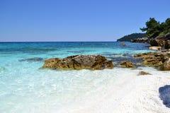 Мраморный пляж - скалистый берег 4 Стоковая Фотография RF