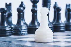 Мраморный шахмат на таблице шахмат Стоковое Изображение RF